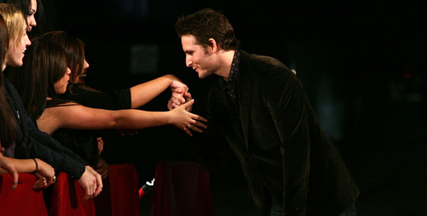http://southernmidnightsun.files.wordpress.com/2009/06/15_facinelli.jpg